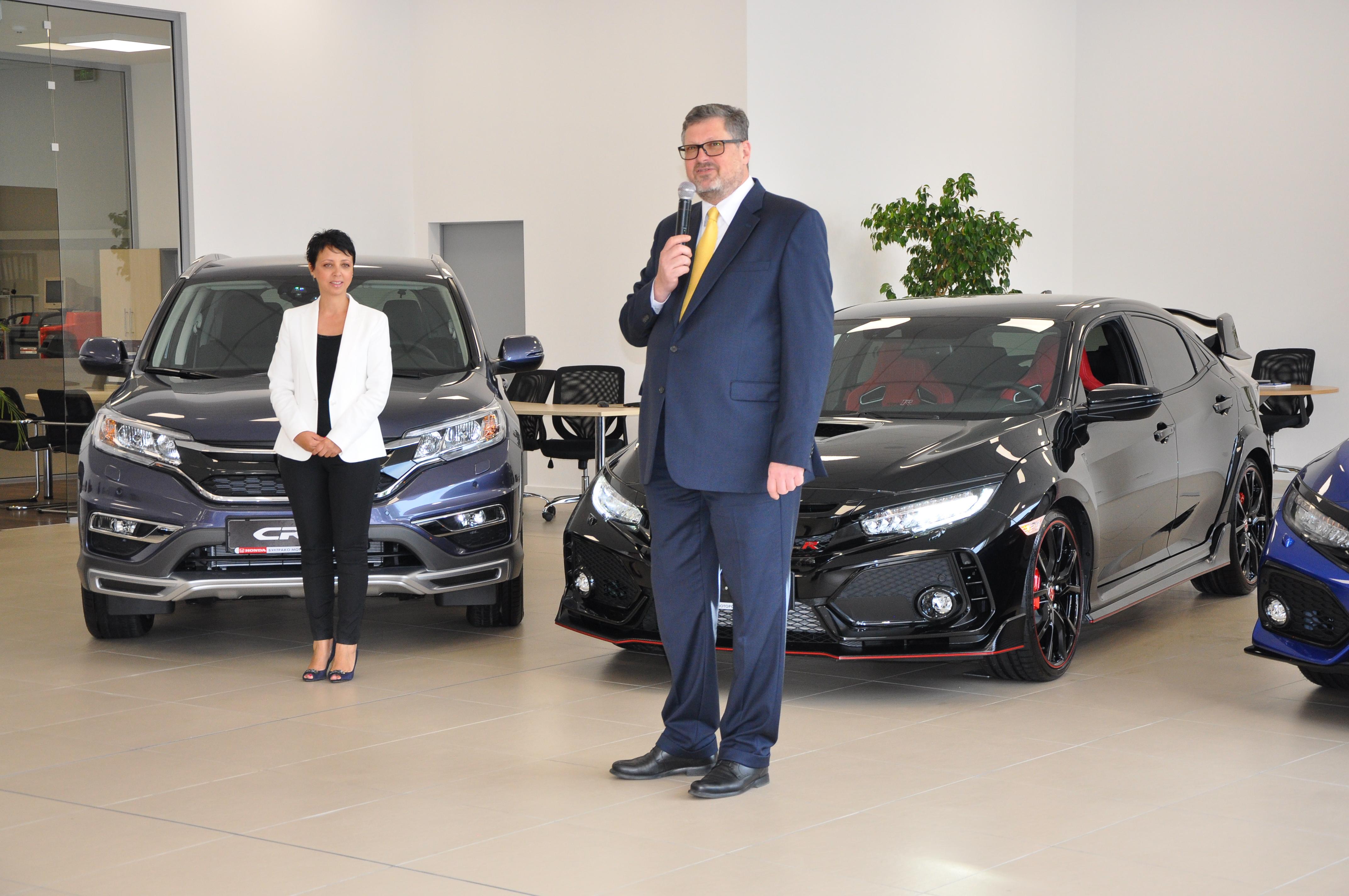 Костадин Грозданов, изп. директор на Бултрако АД, и Ангелина Деведжиева, изп. директор на Бултрако Моторс