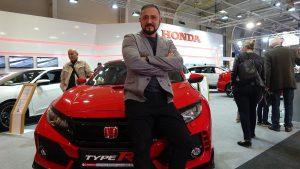 Д-р Николай Георгиев на щанда на Honda