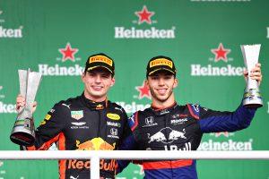 Верстапен и Гасли носят двойна победа на Honda в Гран при на Бразилия