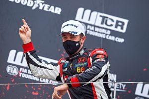 Поредна победа на Honda Civic Type R TCR в 24 часа на Нюрбургринг